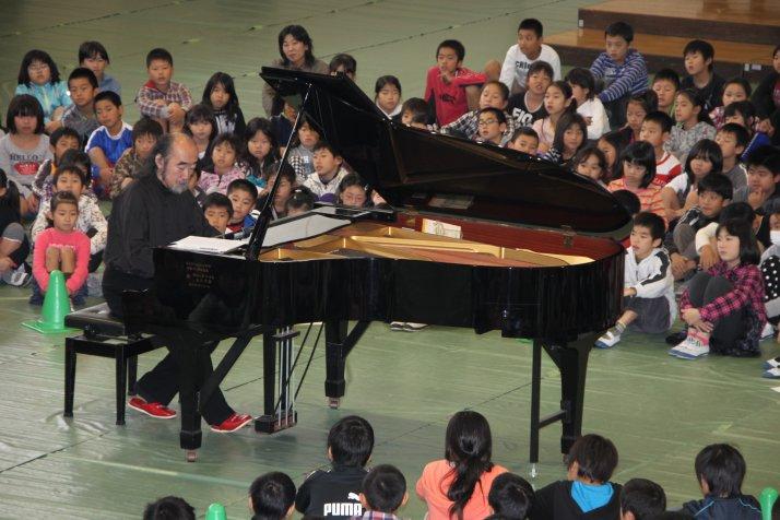 学校訪問コンサート1
